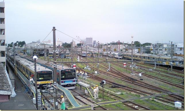 三鷹車両センター(奥には05系も!!)